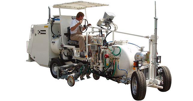 Hofmann H26-4: silniční značkovací stroj pro práce velkého rozsahu